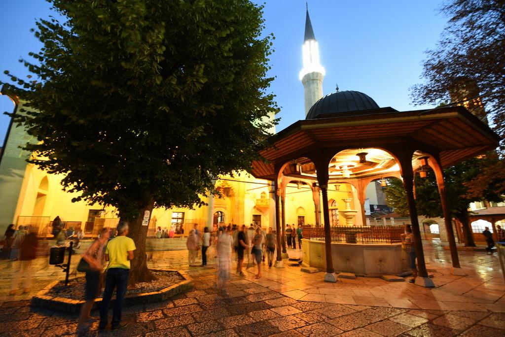 Cameron-Bosnia-Sarajevo-Mosque