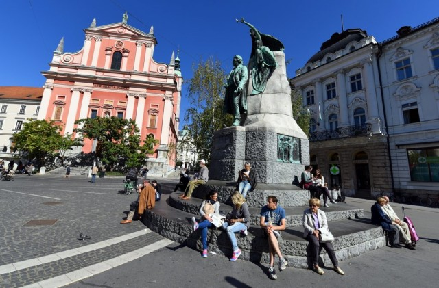 cameron-slovenia-ljubljana-preseren-square-2