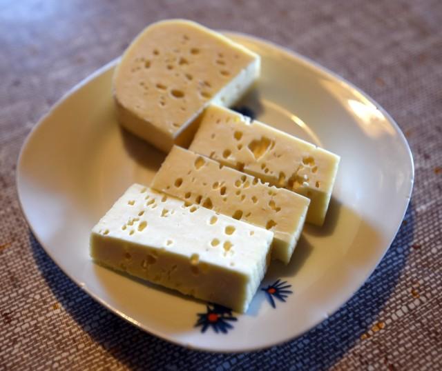 cameron-slovenia-velika-planina-cheese