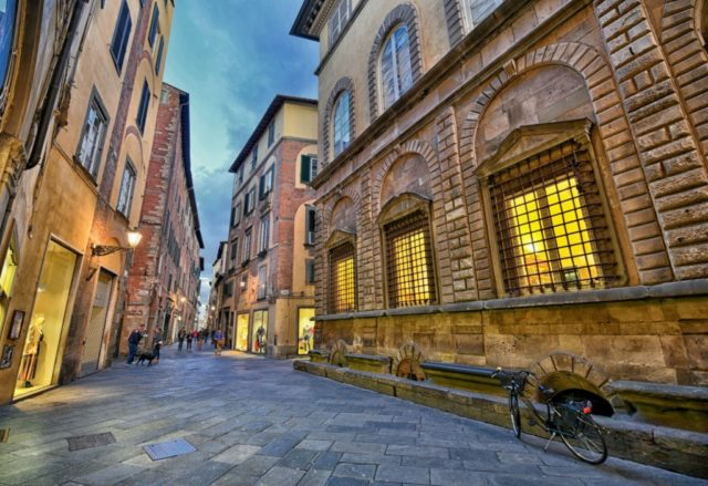 8 Photos Of Backs Streets Lucca Tuscany S Best Kept