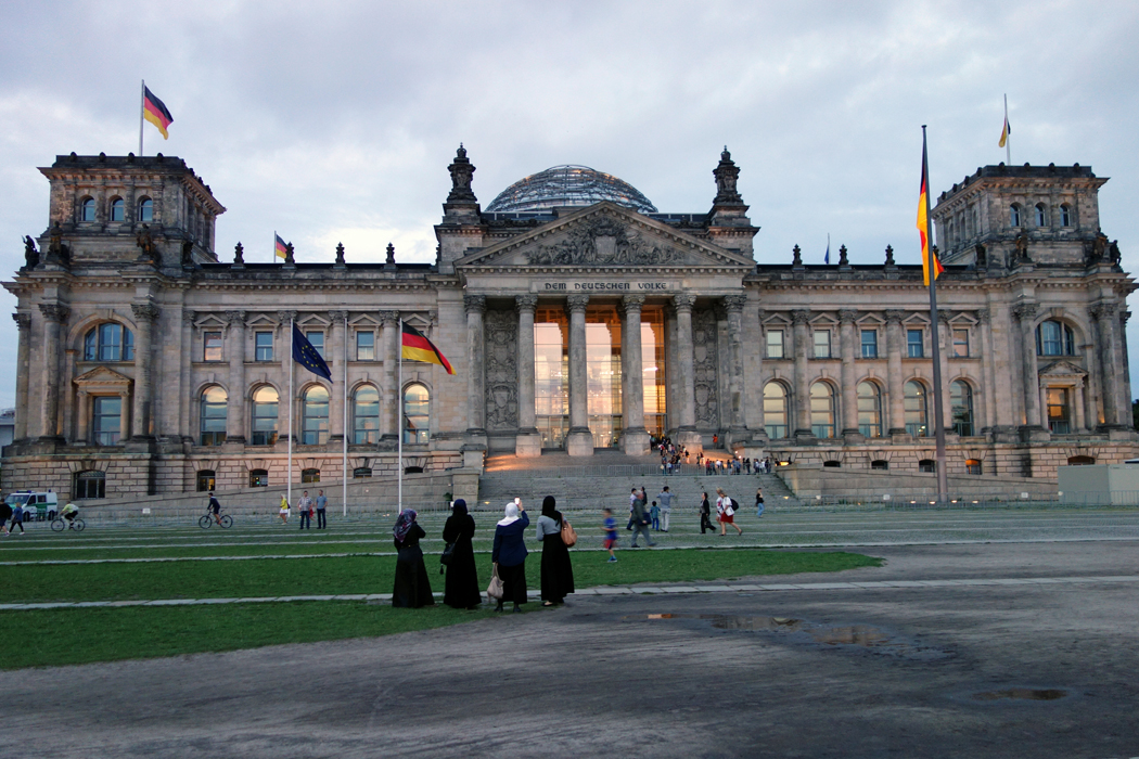 history of the reichstag The audio-guided tour around the dome of the reichstag is a great thing to do first when you arrive in berlin, which is what i did the tour gives you a history of the city as you see it from the dome, which gives views.