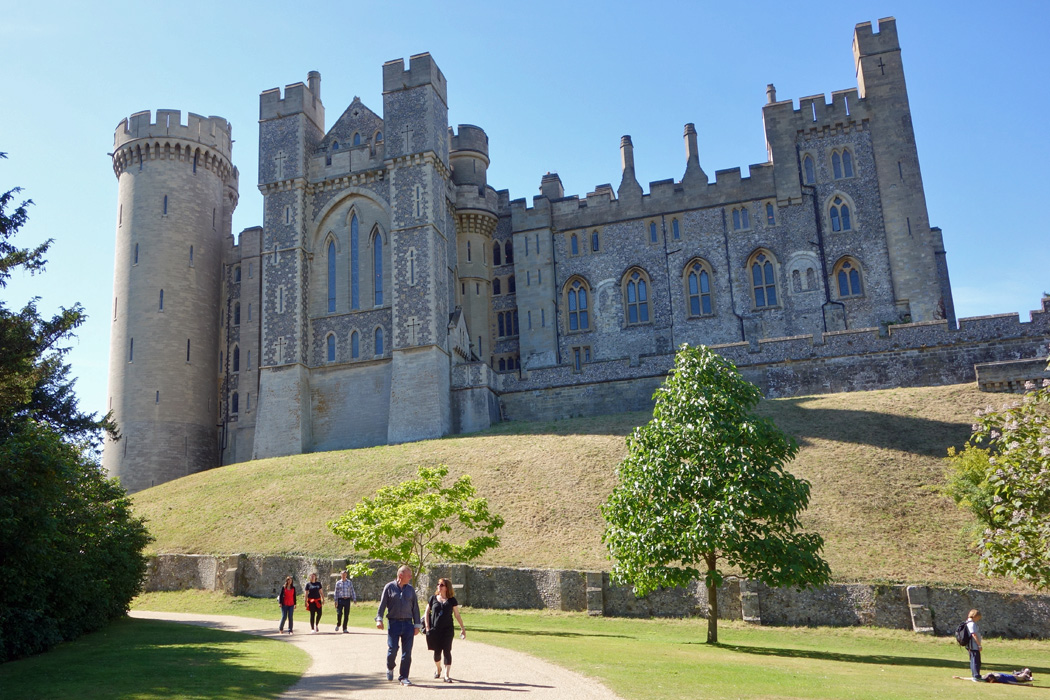 The Castles And Manors Of South England And South Wales