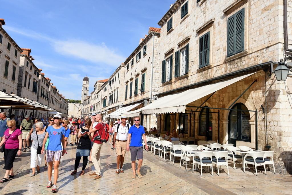 Cameron-Croatia-Dubrovnik-Facebook-Stradun End