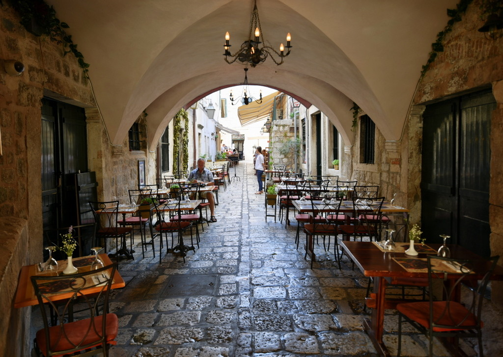 Cameron-Croatia-Dubrovnik-Happy Restaurant