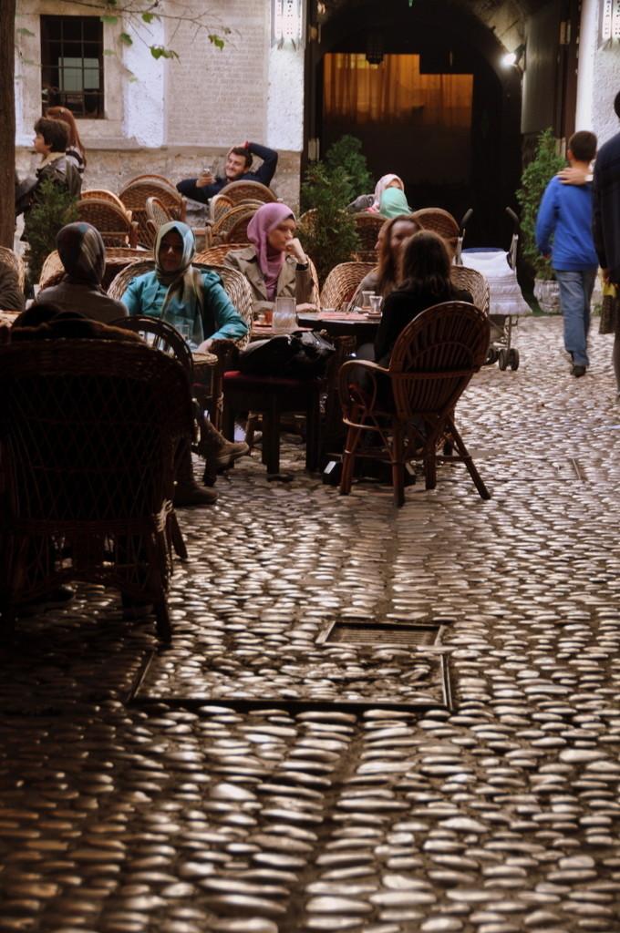 Cameron-Bosnia-Sarajevo-Coffe 2