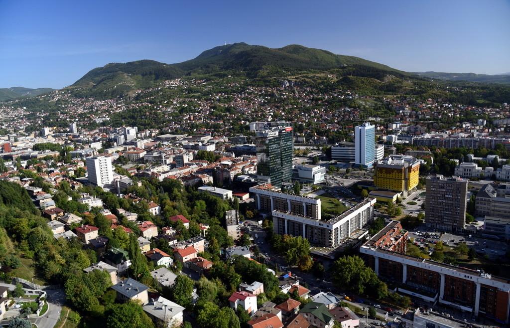 Cameron-Bosnia-Sarajevo-OV