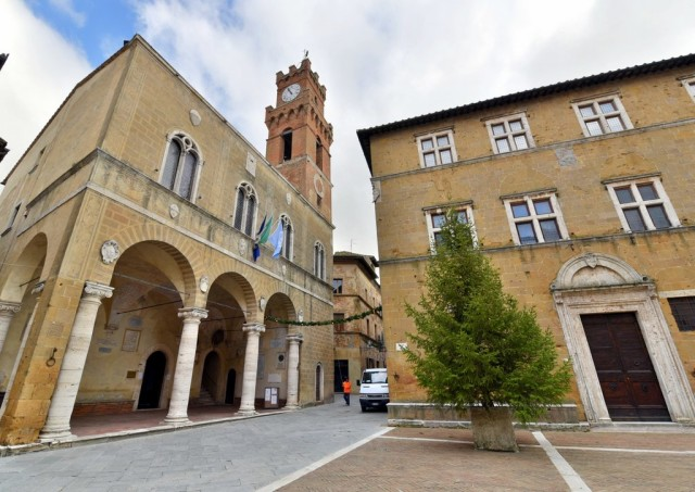cameron-italy-tuscany-Pienza-006