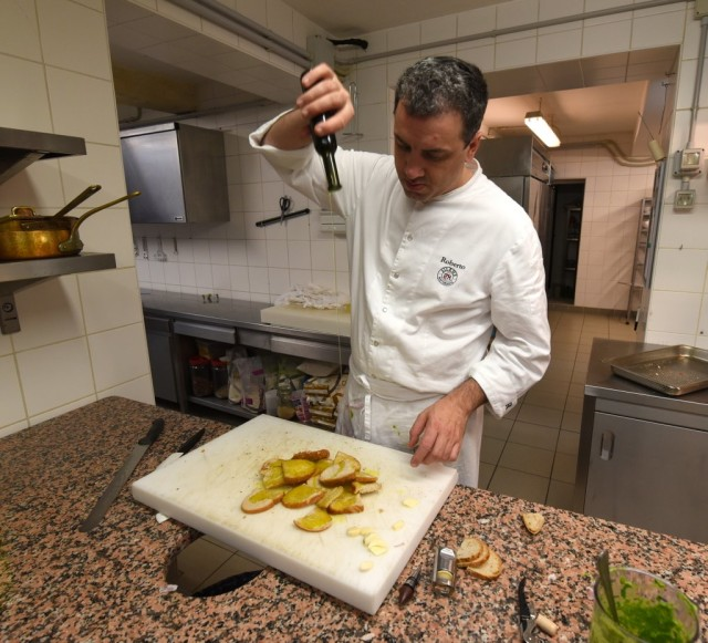 cameron-italy-tuscany-cooking-class-il-silene-056