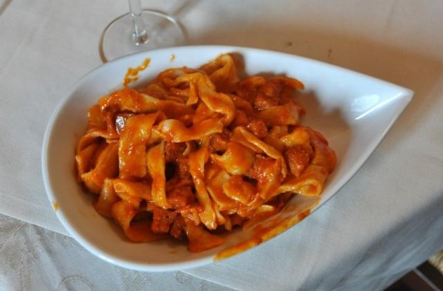cameron-italy-tuscany-marta-sauce-pasta