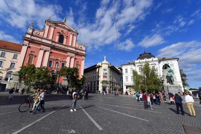 cameron-slovenia-ljubljana-preseren-square-1