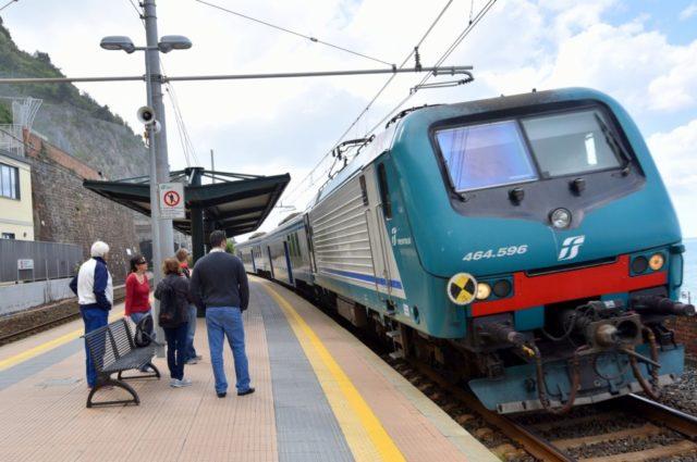 cameron-italy-cinque-terre-train