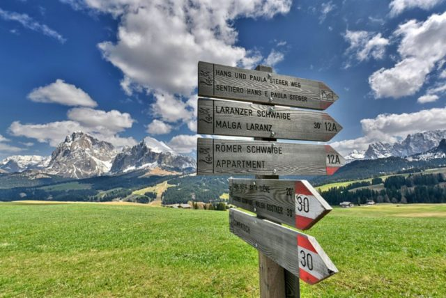 cameron-italy-dolomites-signs