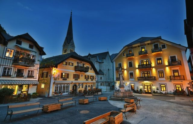 cameron-austria-hallstatt-square-night