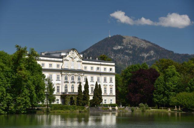 cameron-austria-trapp-mansion