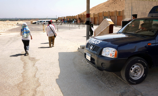 Sights generally mobbed by tour buses are empty in 2013. Ever since a horrible massacre of tourists by terrorists at Luxor back in the 1990s, police have been stationed at every ancient sight.