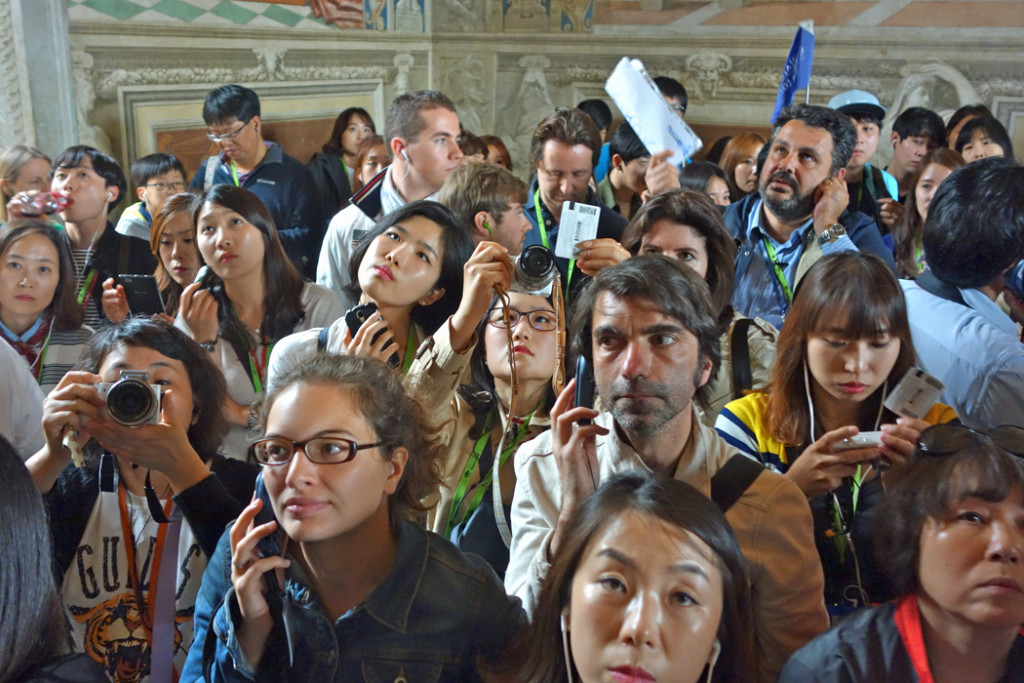 crowd in rafael room.JPG