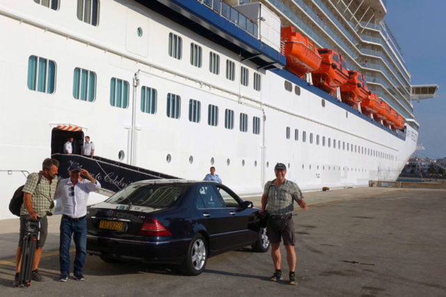 Car pickup at cruise ship