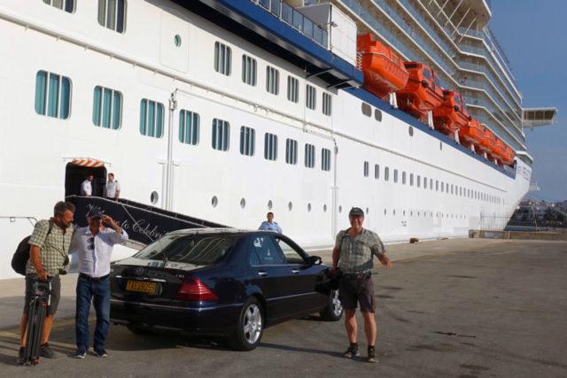 Car pickup at cruise ship